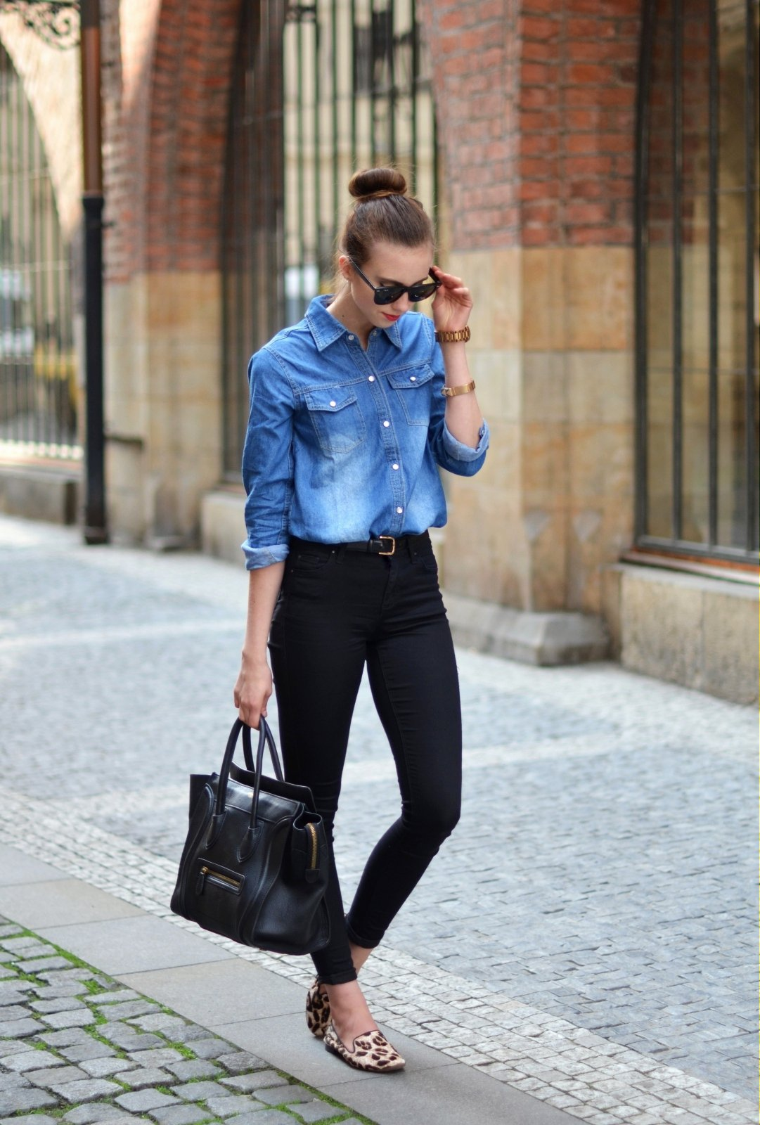 Фото девушек с джинсовыми рубашками