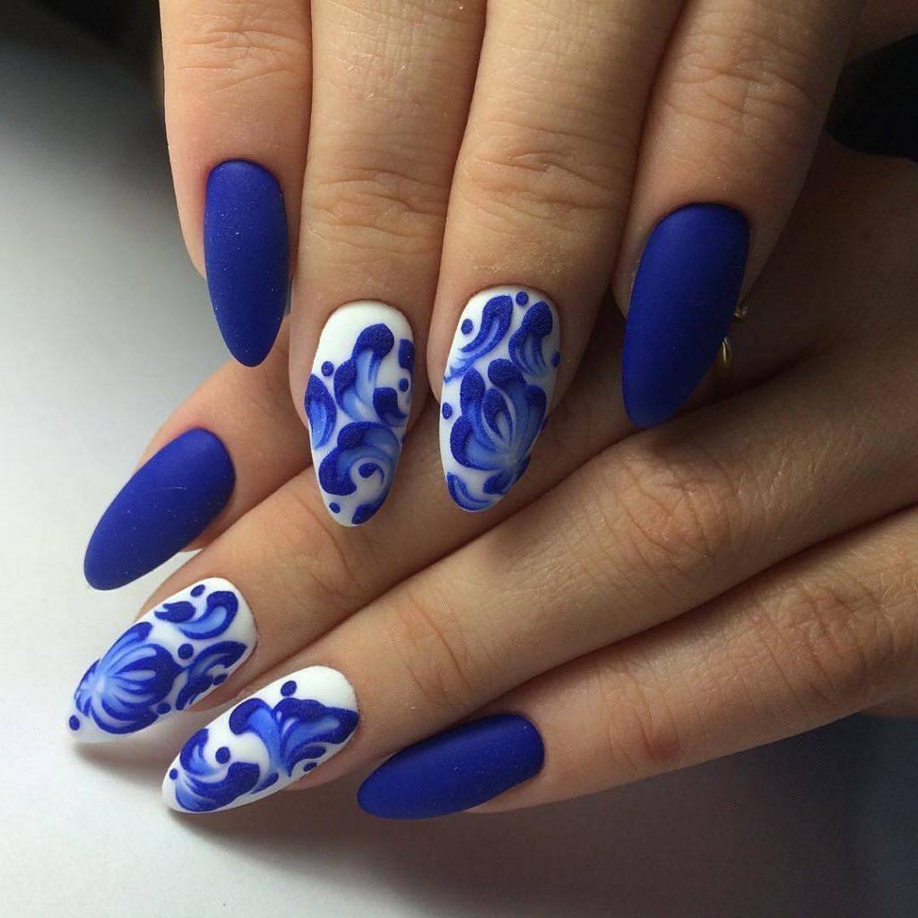 Фото дизайн ногтей 2018 новинки сине белый