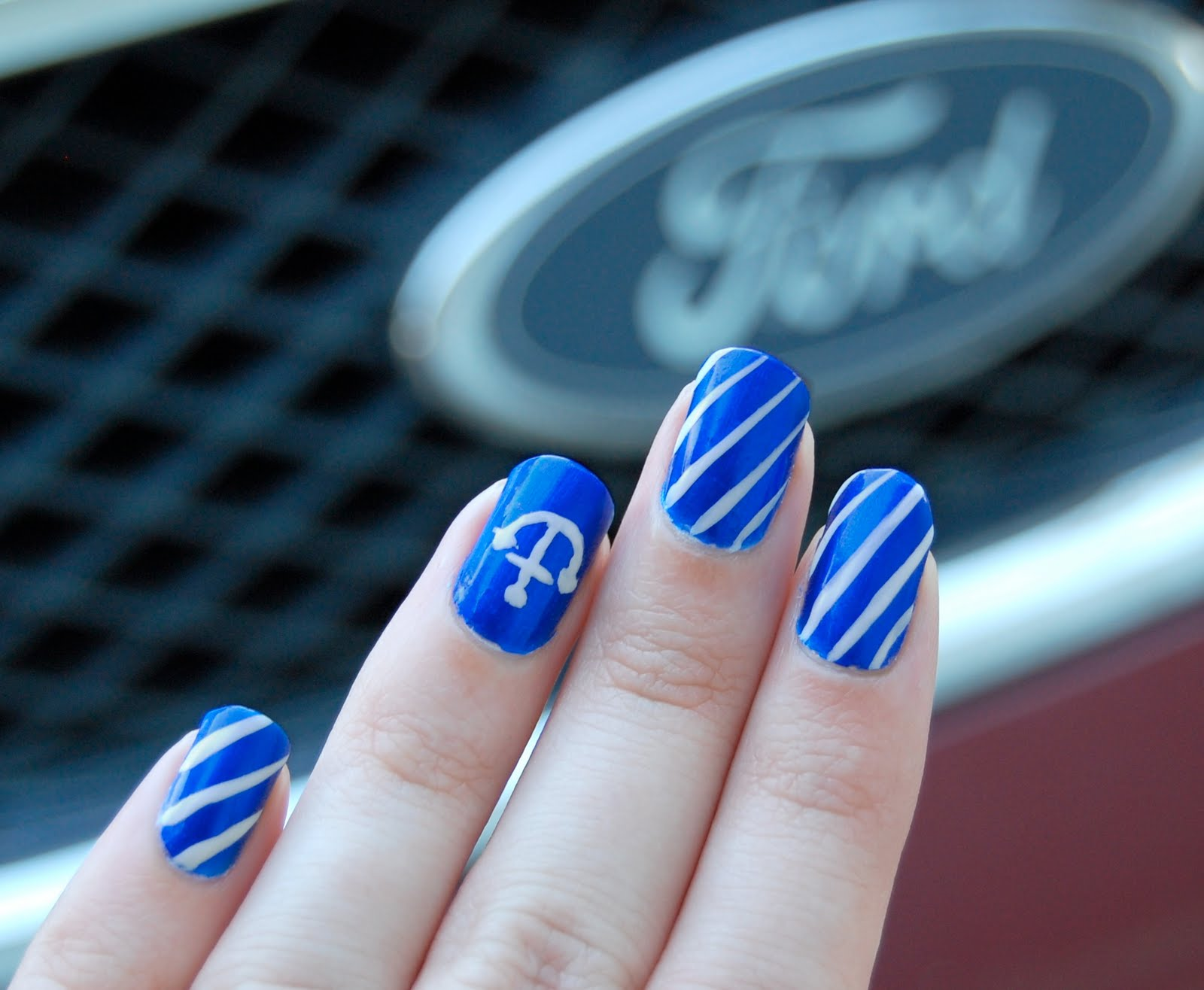 Дизайн ногтей в синем фоне фото