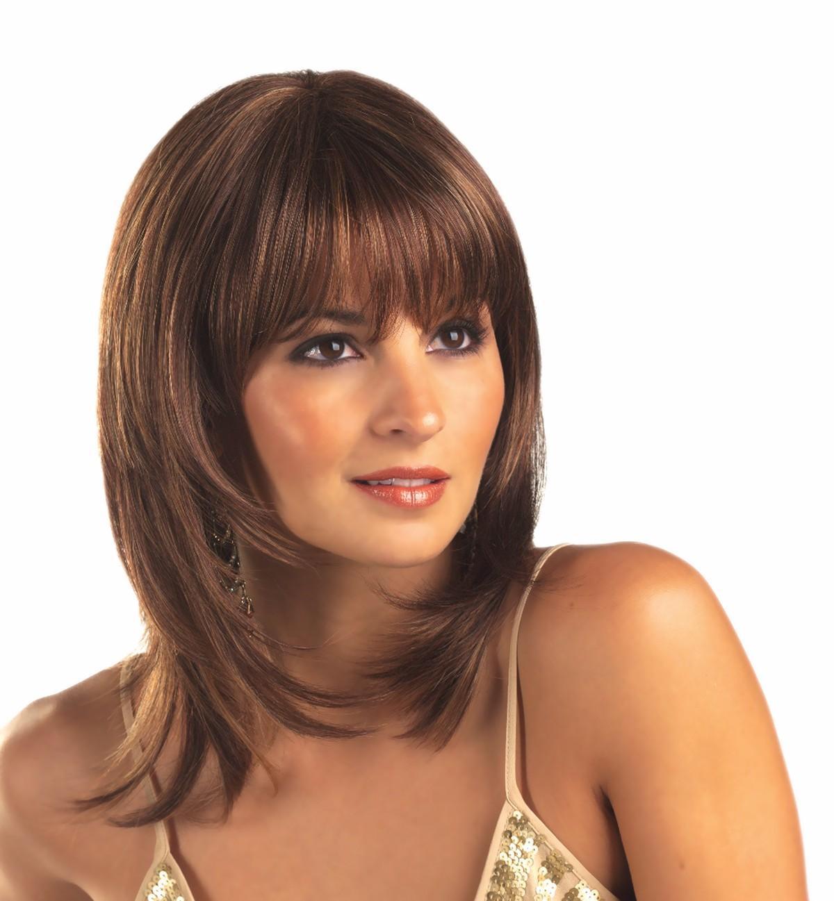 Виды стрижек женских на средние волосы с челкой
