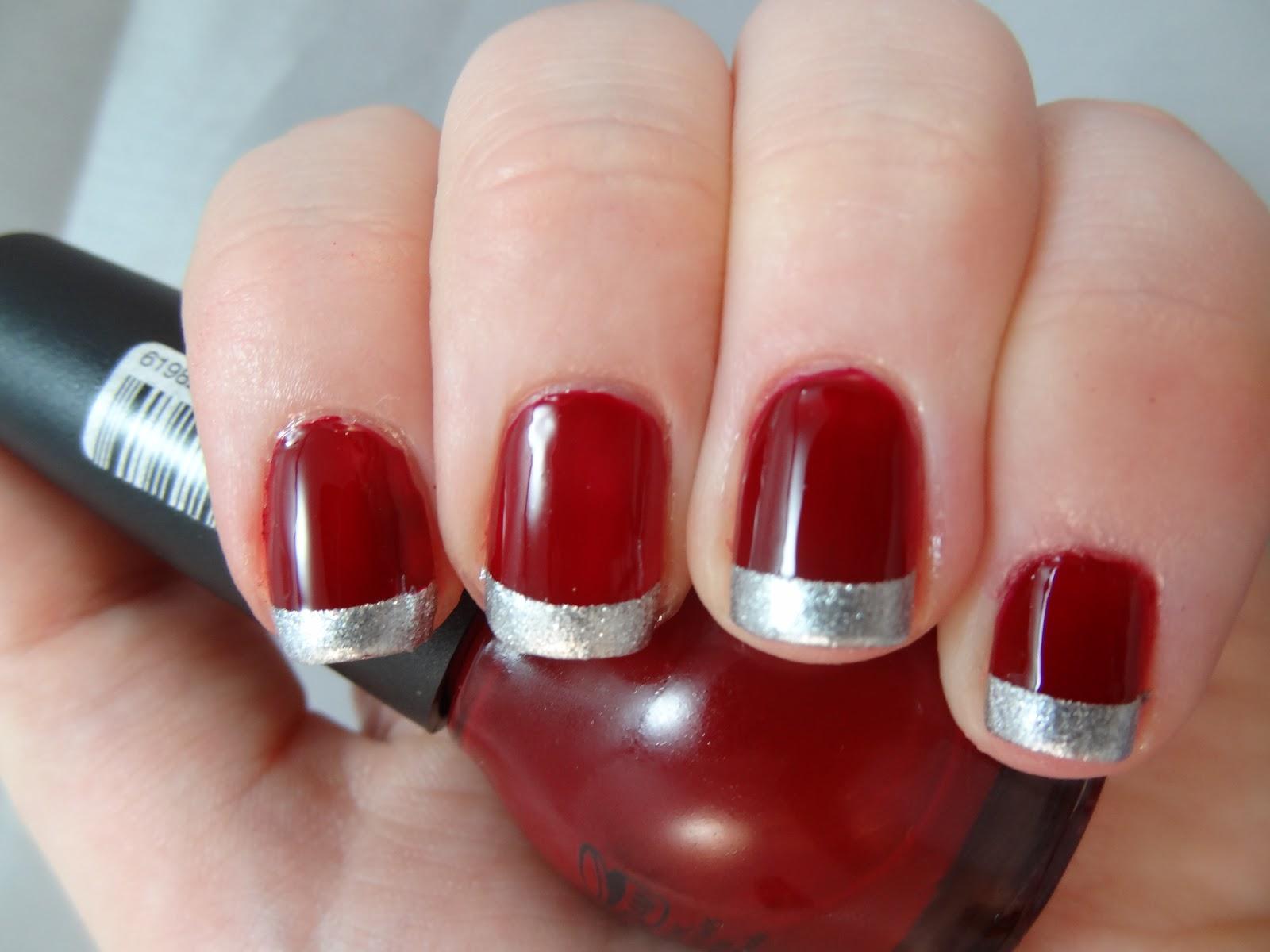 Френч красный с серебром на ногтях фото
