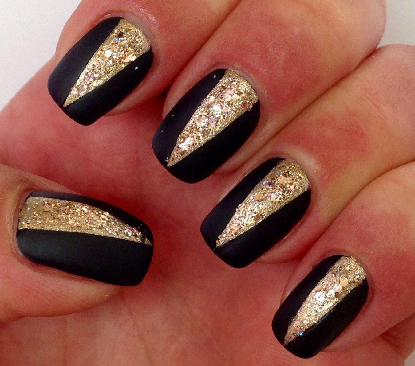 Ногти черный с золотом фото