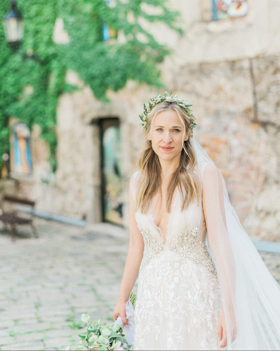 svadebnye-pricheski-na-srednie-volosy_ (12)