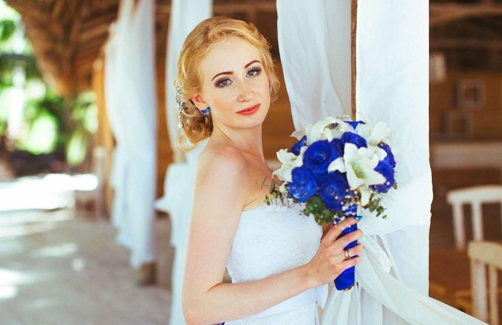 svadebnye-pricheski-na-srednie-volosy_ (20)