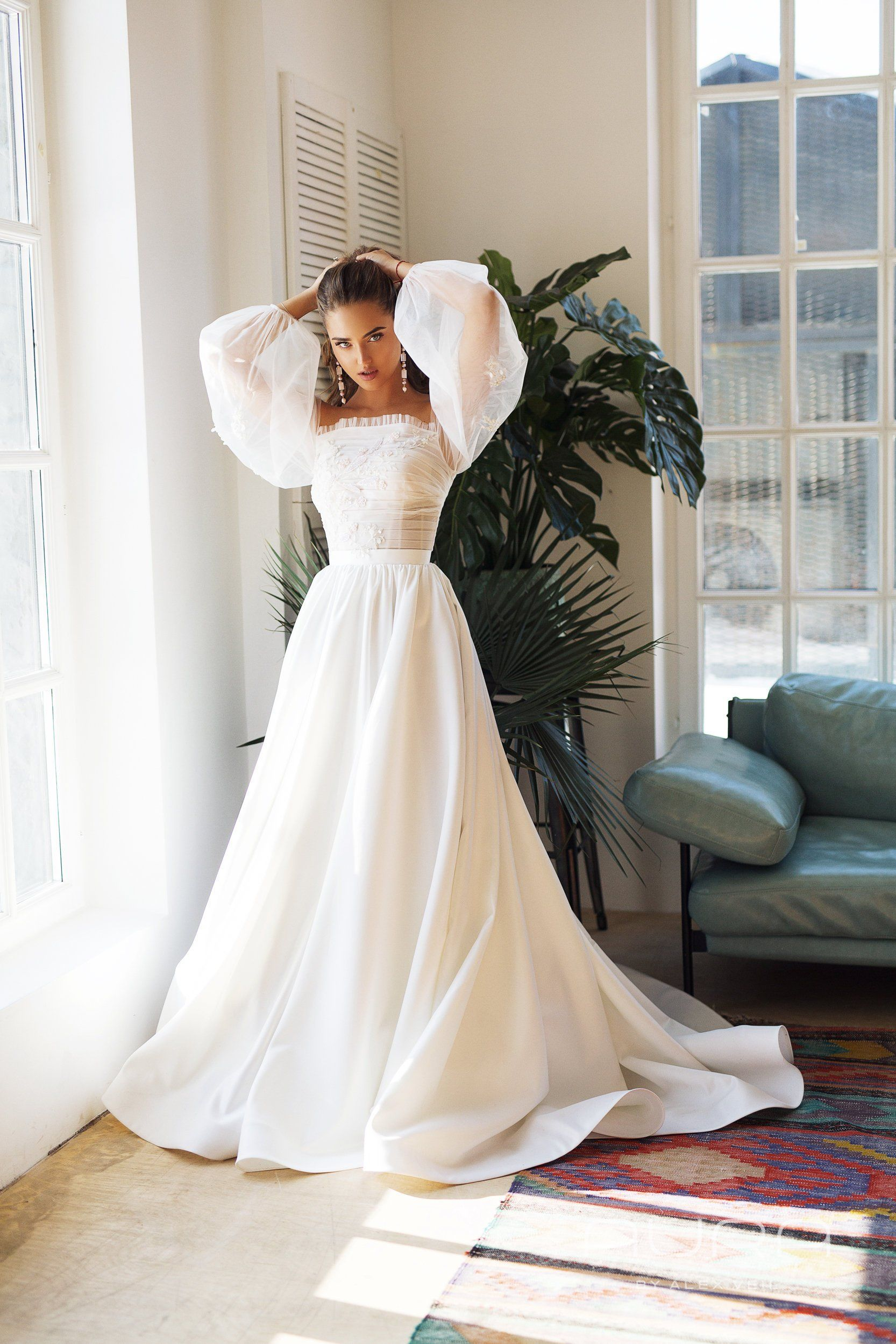 Atlasnoje_svadebnoe_platie (41)
