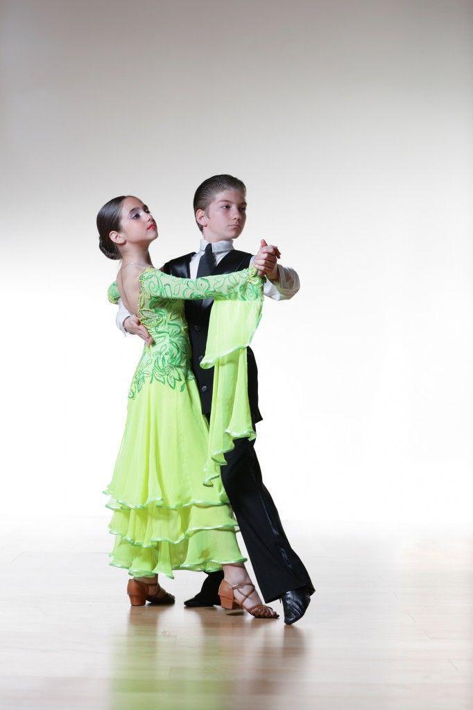 Platie_dlia_bal'nyx_tancev (16)
