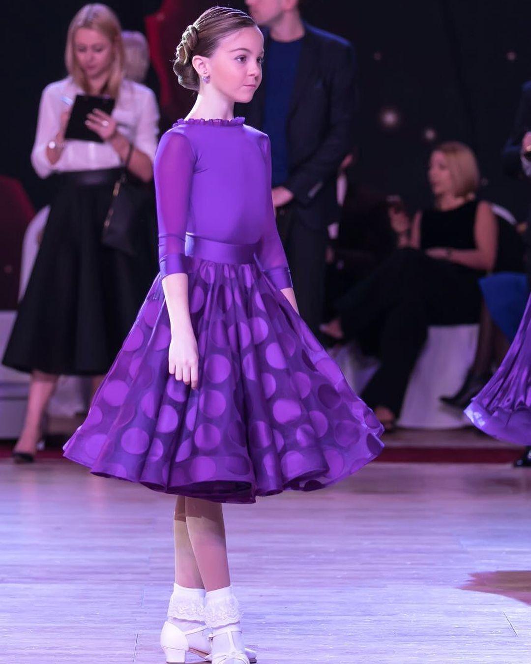 Platie_dlia_bal'nyx_tancev (21)