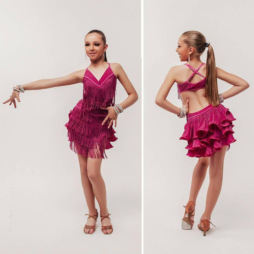 Platie_dlia_bal'nyx_tancev (39)