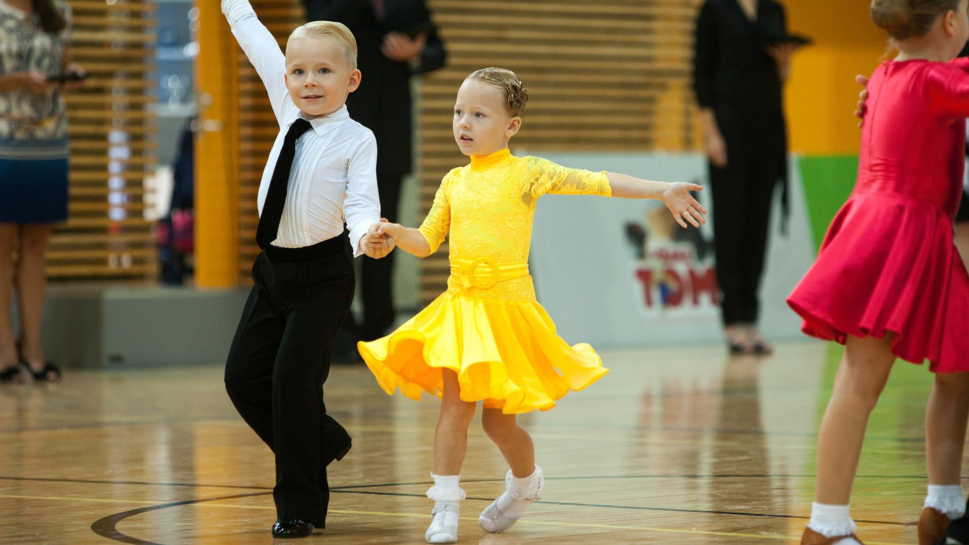 Platie_dlia_bal'nyx_tancev (54)