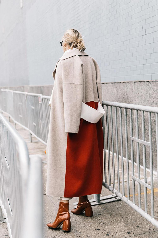palto-drapovoe-zhenskoe-39